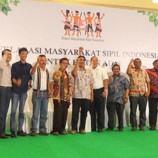 Kembalinya Hutan Adat ke Tangan Masyarakat Adat Merupakan Kemenangan Bangsa Indonesia