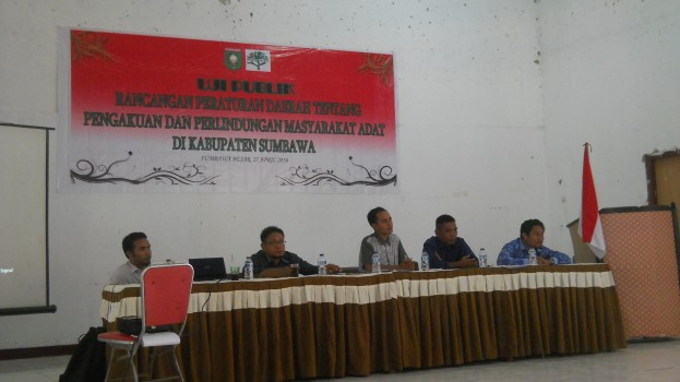 "Uji Publik ""Rancangan Peraturan Daerah tentang Pengakuan dan Perlindungan Masyarakat Adat di Kabupaten Sumbawa"""