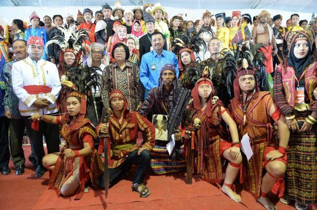 4874_Menteri-LHK-Buka-Kongres-Masyarakat-Adat-Nusantara-V-di-Tanjung-Gusta