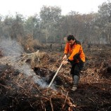 Efforts to put out peat fires continue